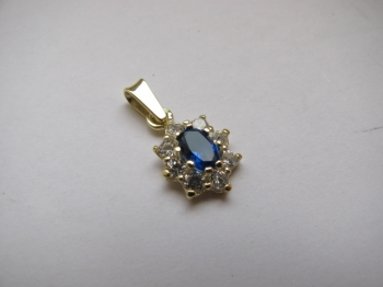Zlatý přívěsek modrý safír a zirkony