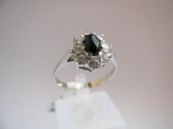 Zlatý prsten onyx a zirkony
