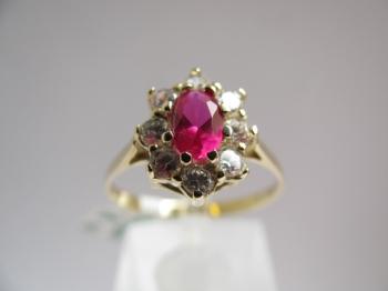 Zlatý prsten rubín a zirkony