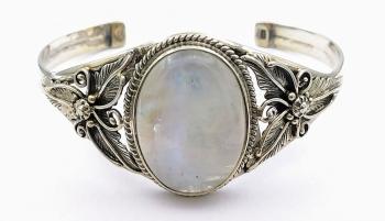 Stříbrný náramek kruh pevný měsíční kámen